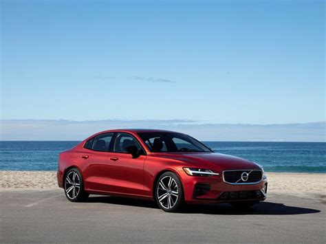 2019 Volvo S60 Road Test and Review | Autobytel