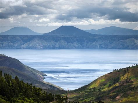 Lake Toba, Indonesia - Location, Map, Facts, Tours