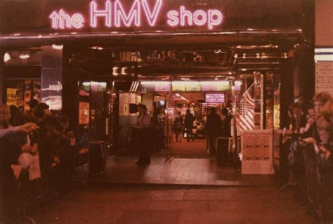 37 Photos That Show How HMV Stores Looked Like in the UK