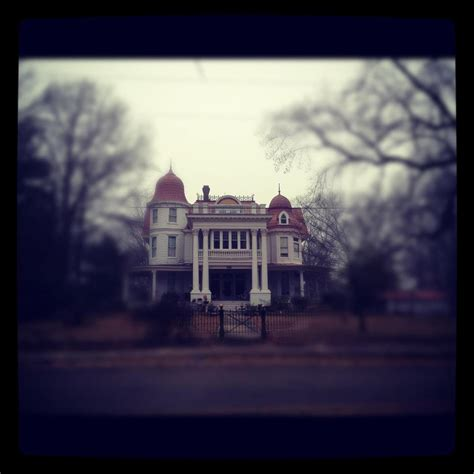 The Story Behind Arkansas's Most Haunted House Will Give