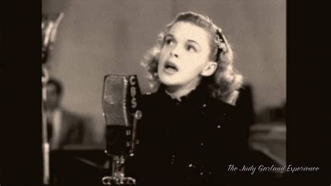 JUDY GARLAND at 21 singing OVER THE RAINBOW remastered