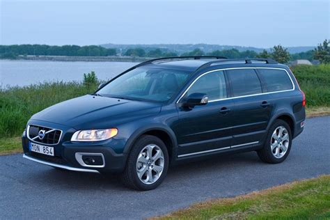 2012 Volvo XC70 Overview | Cars