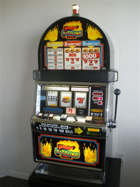 IGT SIZZLING 7s S2000 SLOT MACHINE - ROUND TOP For Sale