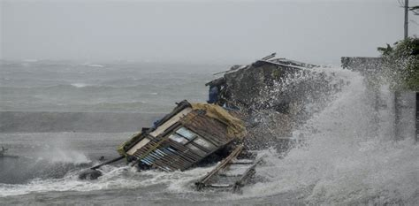 Eyewitness: Typhoon Haiyan strikes the Philippines